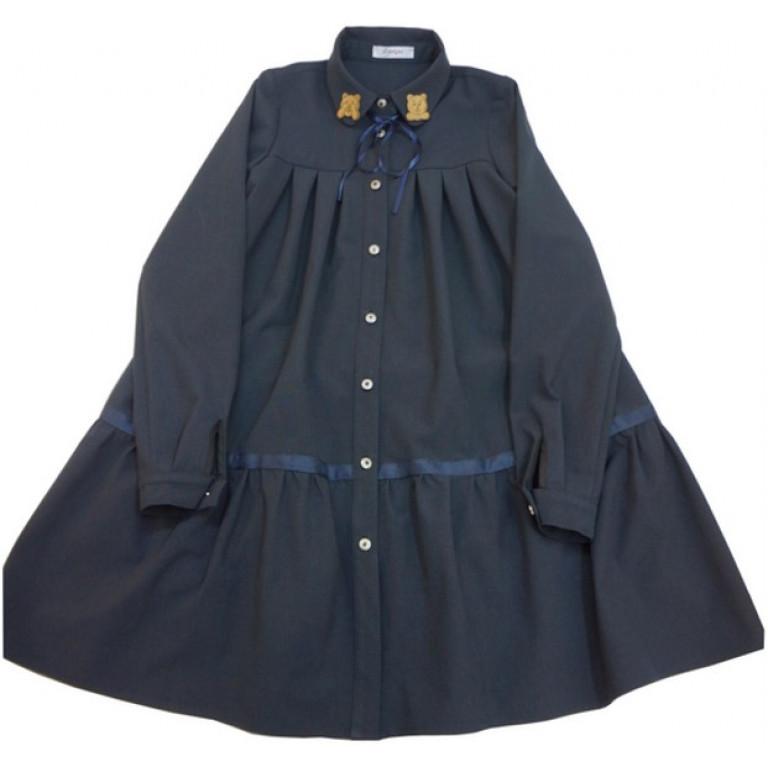 Платье рубашка с оборкой и декором на воротнике